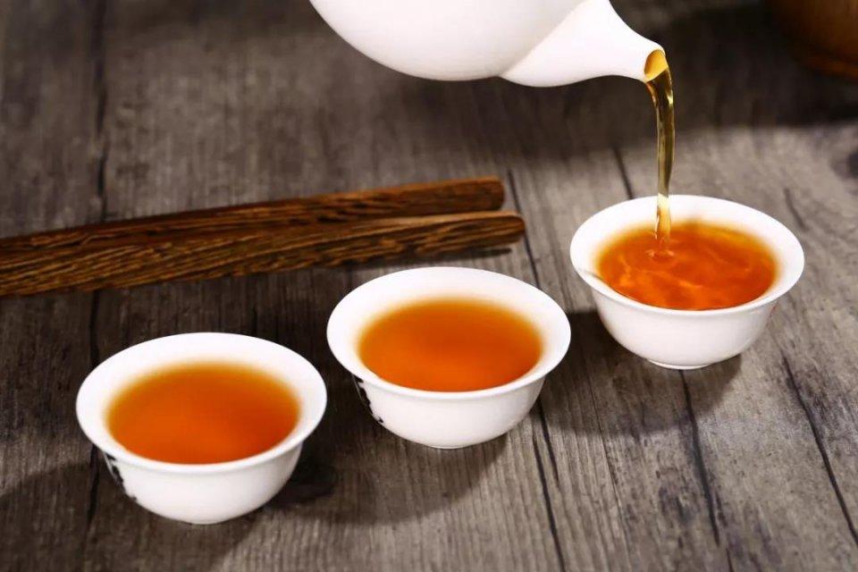 《茶与健康》冬季养生主色调:中国红+霸气黑图片