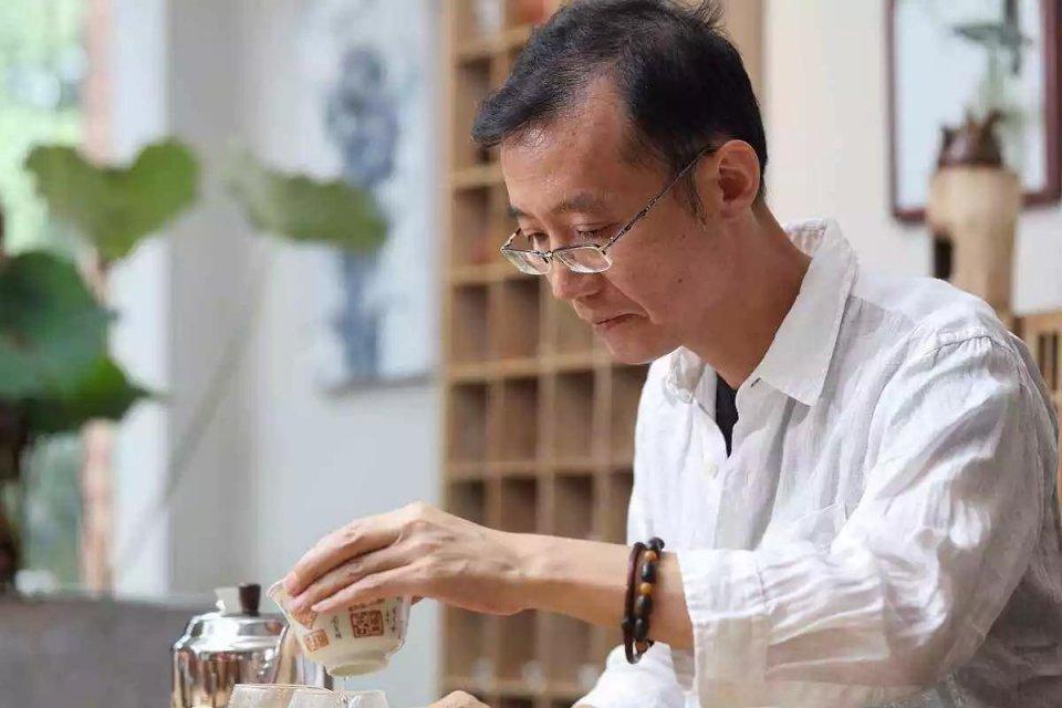 名茶配妙器,龙井茶当配什么茶具最妙?图片