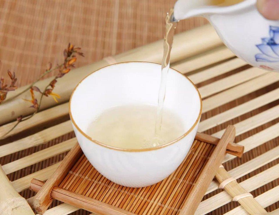 如何挑选白茶?