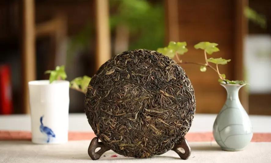 普洱茶生茶和熟茶的存放时间有讲究图片
