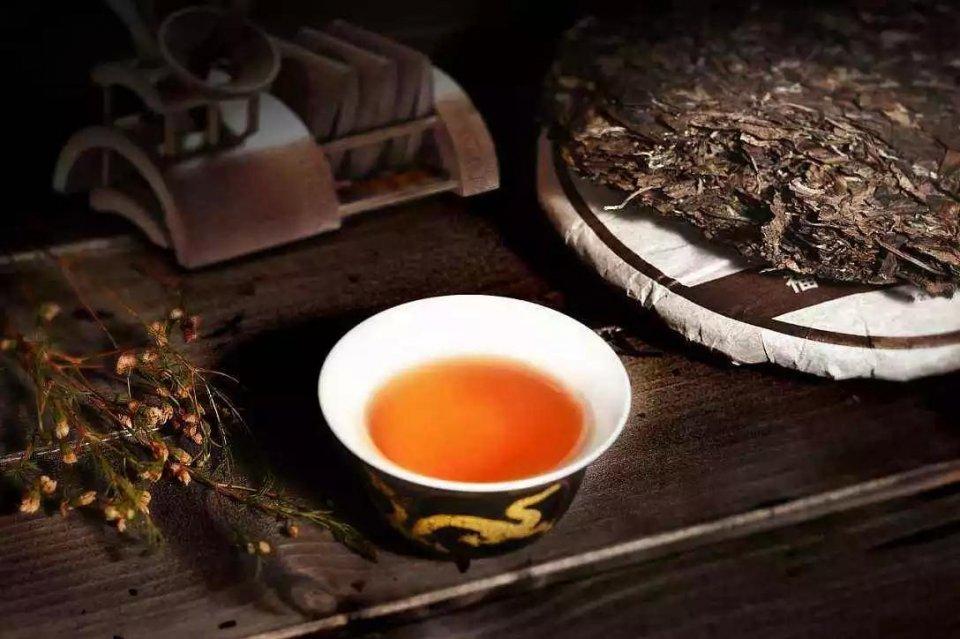 秋天喝安化黑茶茯砖茶有什么好处?图片