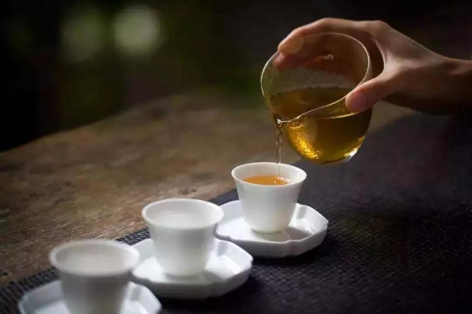秋天喝六堡茶:祛寒又祛湿图片
