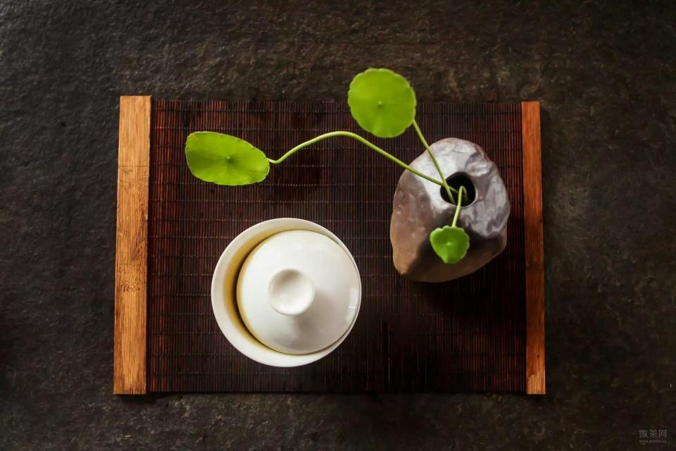 绿茶红茶白茶黄茶青茶黑茶,终于弄懂了图片