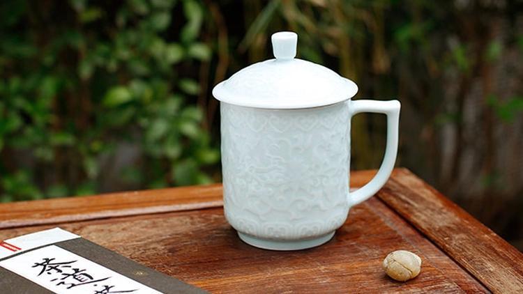 茶水分离茶杯,演绎茶道文化图片