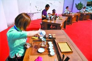 茶艺师是怎样炼成的?一天饮50多泡茶舌头都麻了图片