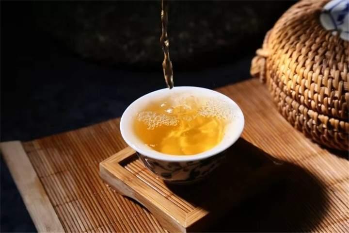 三分钟,讲清绿茶红茶白茶黄茶青茶黑茶!